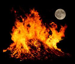 Celtic festivals – Samhain  October 31st   Stonehenge Stone