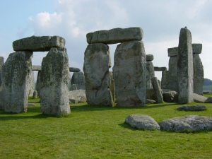 Stonehenge in southern England may have been built by herders, not farmers, suggests a new analysis of crop remains from the last several millennia.