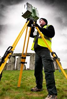 Laser scanning uncovers new Stonehenge evidence