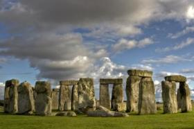 http://www.open.ac.uk/platform/news-and-features/ou-students-stonehenge-dig-put-to-the-vote-for-award