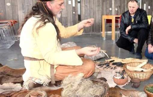 neolithic-crafts-and-textile-workshop