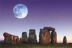 stonehengemoon