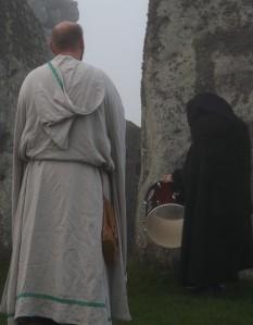 Stonehenge-Equinox-Solstice-open-access-pilgrims (114)