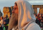 Stonehenge-Equinox-Solstice-open-access-pilgrims (128)
