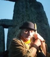 Stonehenge-Equinox-Solstice-open-access-pilgrims (13)