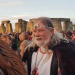 Stonehenge-Equinox-Solstice-open-access-pilgrims (147)