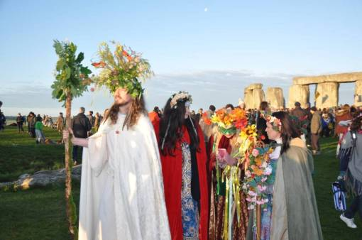 Stonehenge Pilgrims. Solstice and Equinox open access