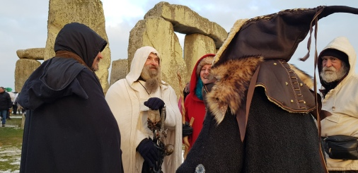 Stonehenge-Equinox-Solstice-open-access-pilgrims (19)