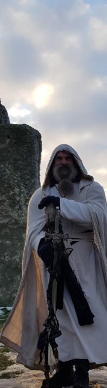 Stonehenge-Equinox-Solstice-open-access-pilgrims (20)
