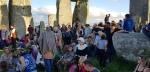 Stonehenge-Equinox-Solstice-open-access-pilgrims (22)