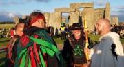 Stonehenge-Equinox-Solstice-open-access-pilgrims (25)