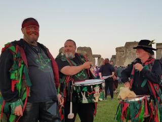 Stonehenge-Equinox-Solstice-open-access-pilgrims (28)