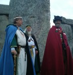 Stonehenge-Equinox-Solstice-open-access-pilgrims (3)