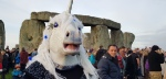 Stonehenge-Equinox-Solstice-open-access-pilgrims (39)