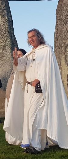Stonehenge-Equinox-Solstice-open-access-pilgrims (63)