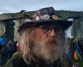 Stonehenge-Equinox-Solstice-open-access-pilgrims (65)
