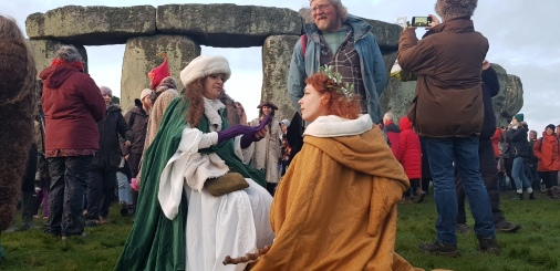 Stonehenge-Equinox-Solstice-open-access-pilgrims (67)
