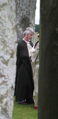 Stonehenge-Equinox-Solstice-open-access-pilgrims (70)