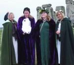 Stonehenge-Equinox-Solstice-open-access-pilgrims (79)