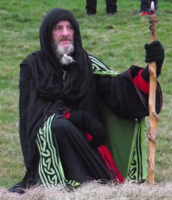 Stonehenge-Equinox-Solstice-open-access-pilgrims (80)