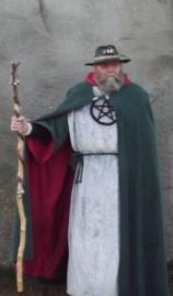 Stonehenge-Equinox-Solstice-open-access-pilgrims (96)
